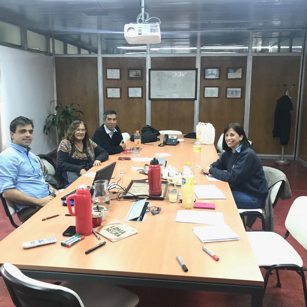2.-cartelera-Programa-de-Negocios-Inclusivos-Capacitar-para-fortalecer-instituciones-1